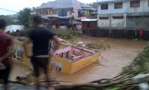 Atasi Banjir di Manado OLLY DONDOKAMBEY Datangkan Alat Berat Dari Swedia