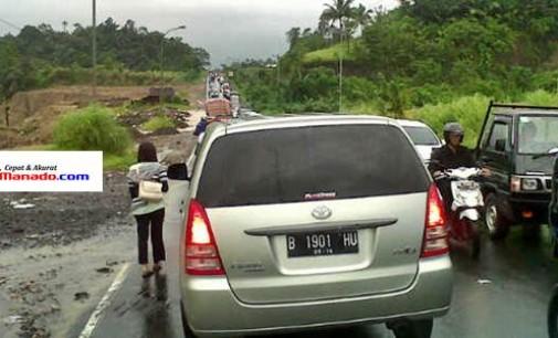 Banyak Jalan Tergenang Banjir, RingRoad Padat Kendaraan