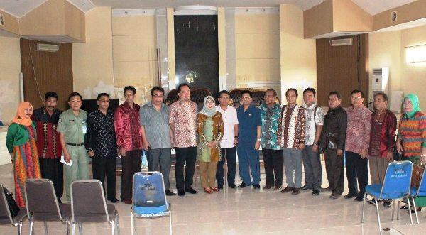 Foto bersama anggota DPRD Kota Bima dan DPRD Kota Bima
