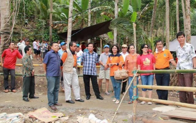 Bupati Sompie Singal dan Deputi BNPB Pantau Jembatan Kuwil 3