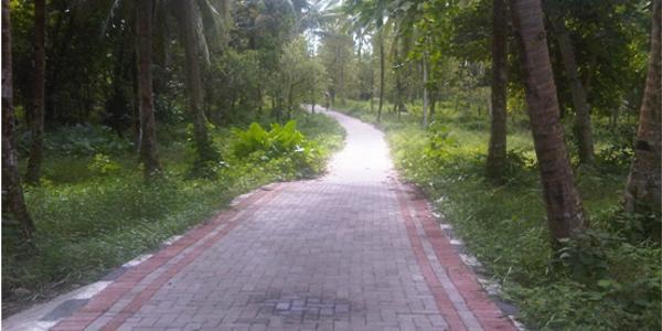 Infrastruktur jalan, akses menuju pantai Matandik
