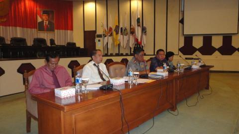 Kapolresta Manado Kombes Pol Sunarto didampingi Wadir Narkoba AKBP Petra Ratulangi dan AKBP Agus Lebo (foto BeritaManado)