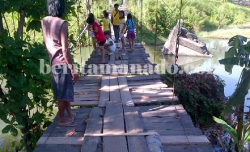 Setengah Abat Lebih Jembatan Desa Ongkaw tak Tersentuh