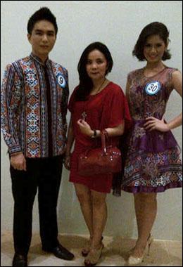 Wulan Roeroe diapit Josua Somba dan Lois Tangel, Putra Putri Kota Tomohon tahun 2013.