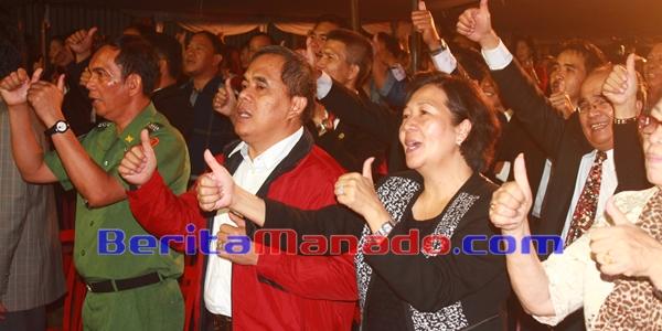 Bupati Minahasa Jantje W Sajow dan Ketua TP PKK Minahasa Alga Sajow Singkoh