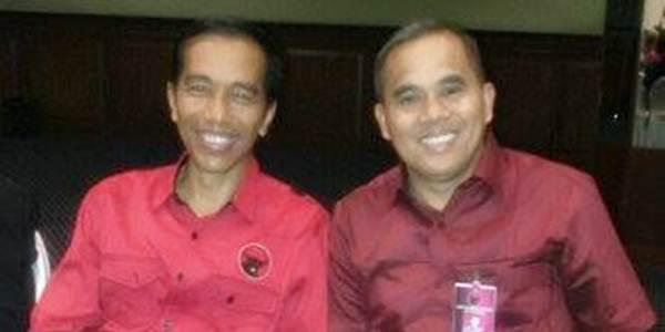 Jantje Wowiling Sajow bersama Joko Widodo Dalam Acara Internal PDIP di Jakarta Beberapa Waktu Lalu