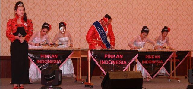 Musik Kolintang Minut di Pingkan Indonesia 1
