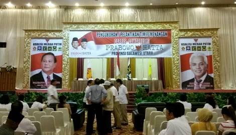 Suasana jelang pengukuhan tim pemenangan Prabowo-Hatta (foto Beritamanado)
