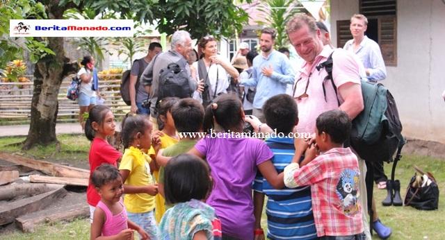 Turis 33 Negara Kunjungi Desa Bahoi 1