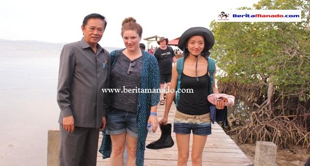 Turis 33 Negara Kunjungi Desa Bahoi