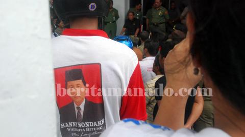 Demo pedagang Sagerat beberapa waktu lalu (foto beritamanado)