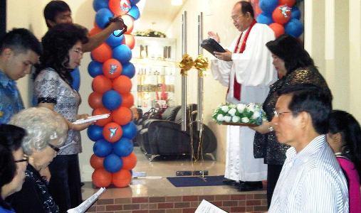 Julyeta P.A Lumentut Runtuwene saat didoakan di Gereja