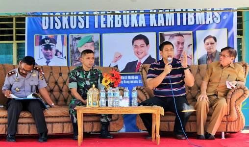 Wakil Walikota Manado saat memaparkan materi