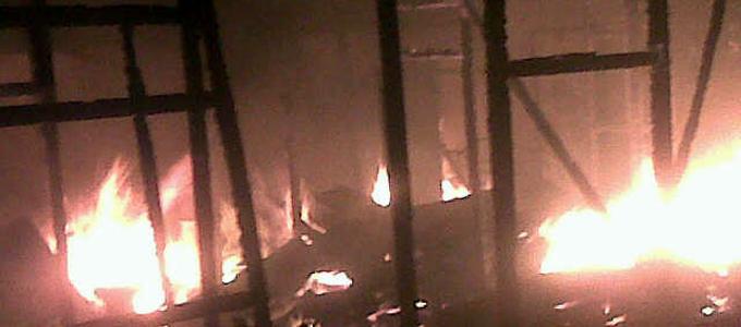 Kebakaran di Mangga Dua Girian Kota Bitung (foto ist)