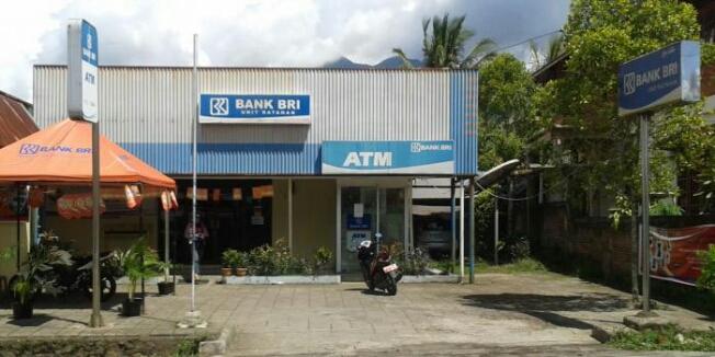 OBJEK PAJAK: Neon Box Bank BRI Ratahan Ini Ternyata Tidak Dilaporkan ke Pemkab Mitra (foto ist)