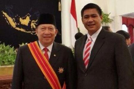 E.E Mangindaan bersama Wakil Walikota Manado