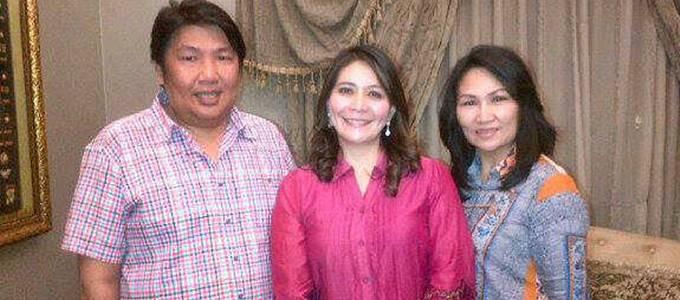 Frans bersama Coreta Louise Kapoyos istri Kapolda Metro Jaya Irjen Pol Putut Eko Bayuseno dan Meggy Theresia Rares penyiar TVRI Jakarta