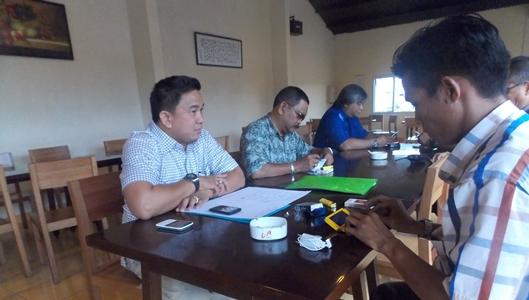 Ketua Umum PSSI Sulut saat membuka Rapat Esco ke-4 (foto Beritamanado)