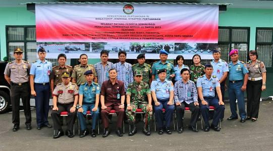 Sekretaris Daerah Kota Manado bersama Danrem 131