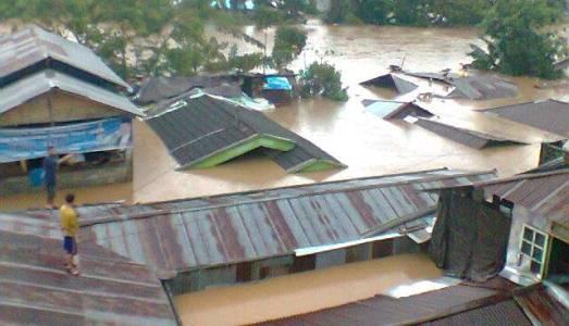 Situasi banjir beberapa waktu lalu (foto Beritamanado)