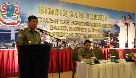Walikota Manado, GS Vicky Lumentut saat memberikan sambutan