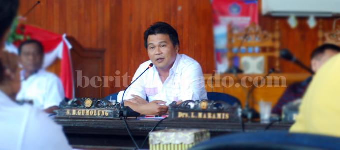 Superman Boy Gumolung (foto beritamanado)