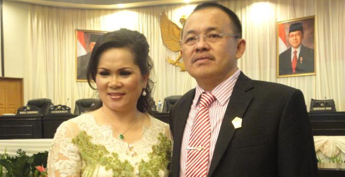 Wakil ketua Deprov, Wenny Lumentut bersama isteri (foto beritamanado)