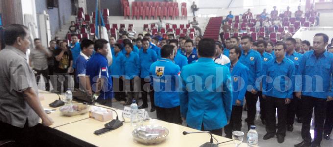 Pelantikan pengurus KNPI Kota Bitung (foto beritamanado)