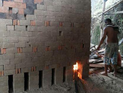 Pabrik bata merah, salah satu jenis usaha mikro di Kota Manado.