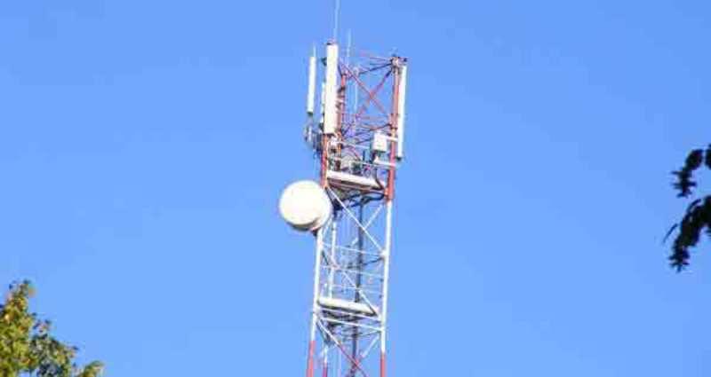 tower-jaringan-seluler