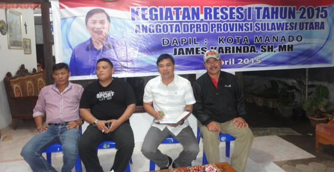 James Karinda di Teling Atas Didampingi Lurah Deddy Altrian Pangkey (Foto BeritaManado.Com)