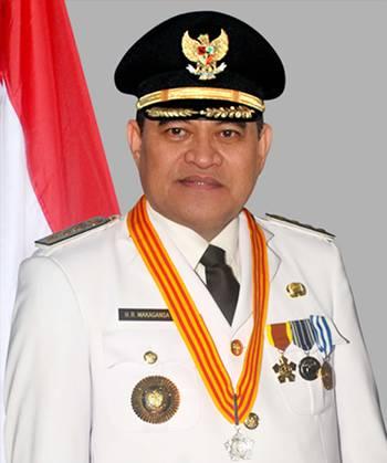 Drs HR Makagansa MSi