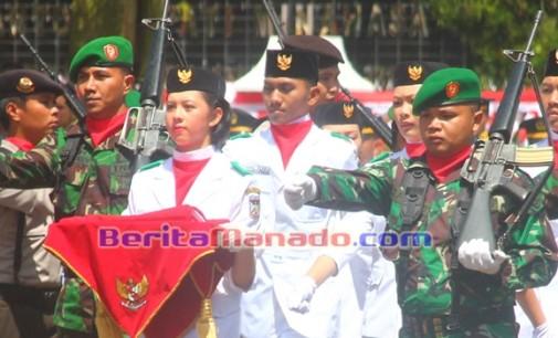 HUT PROKLAMASI: TNI AD Kawal Pembawa Bendera di Langowan