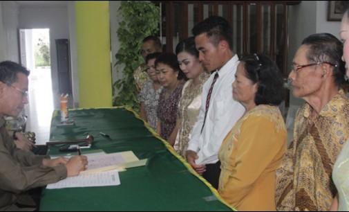 Walikota Jimmy Jadi Petugas Pencatat Perkawinan Masal