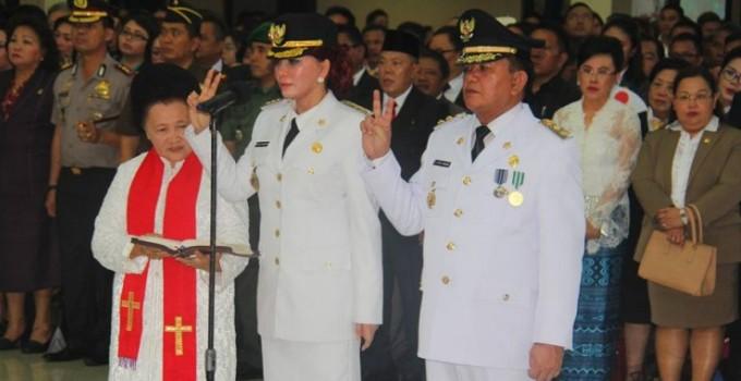 Pengambilan sumpah jabatan Bupati Minut Vonnie Panambunan dan Wabup Joppi Lengkong.