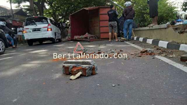 Kecelakaan truck di Manado