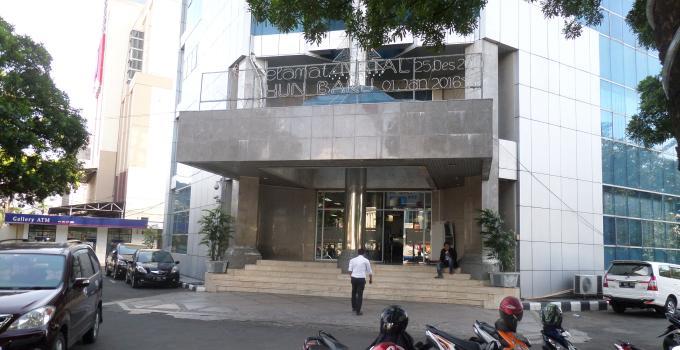 Kantor Pusat Bank SulutGo di Pusat Kota Manado