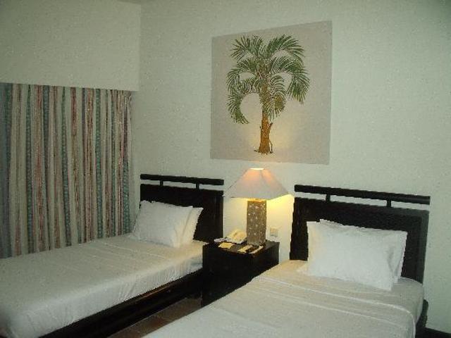 Kamar Mercure Manado Tateli Beach Resort