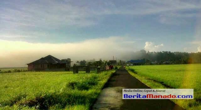 Panorama Desa Teep Dilihat Dari Kejauhan
