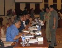 Vreeke Runtu dan Sekprov Debat Soal Keterlibatan DPRD