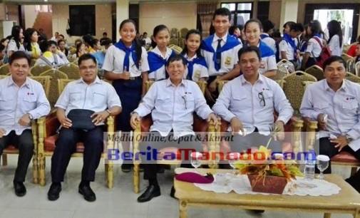 Vicky Lumentut Jadi Rebutan Foto Bareng, James Karinda: Masyarakat So Rindu