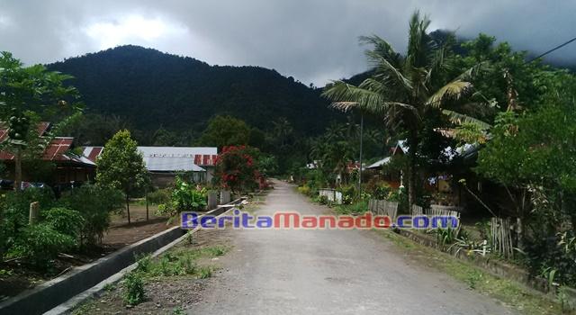 Desa Kaayuran Atas Kecamatan Langowan Selatan
