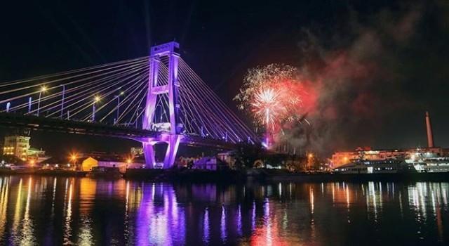 Foto yang menjadi pemenang dalam lomba foto HUT kota Manado yang ke-393 di Jembatan Soekarno