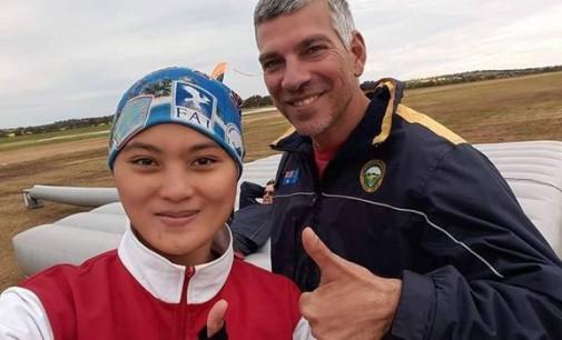 Wuih !!! Latihan Terjun di Australia, Chintia Bawa Abon Rica Roa