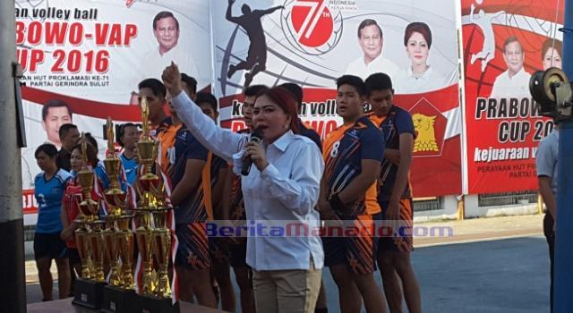 Vonnie Anneke Panambunan, membuka Prabowo VAP Cup dengan penuh semangat.