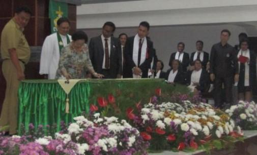 Ibadah Dipimpin Ketua Sinode, MEGAWATI Resmikan GMIM Bukit Moria Tikala Baru