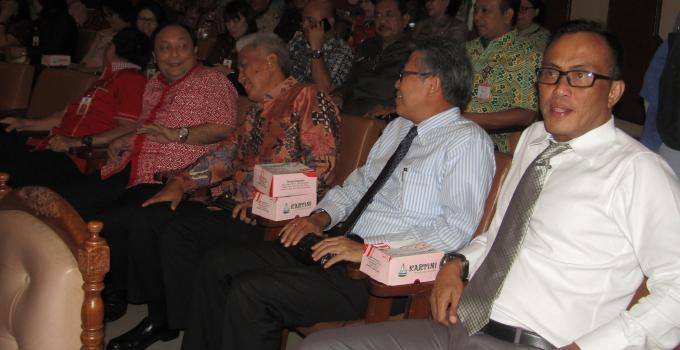 Direksi dan Komisaris Bank SulutGo hadir di rapat paripurna DPRD Sulut