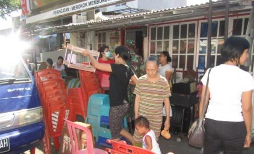 BERITA FOTO II : Eksekusi Boulevard Depan Megamas