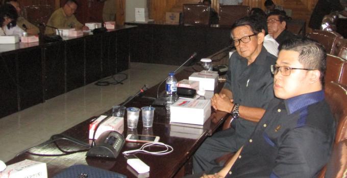 Billy Lombok dan Prof Jan Lombok hadir dihearing Komisi 4 DPRD Sulut bersama manajemen RSUP Kandou