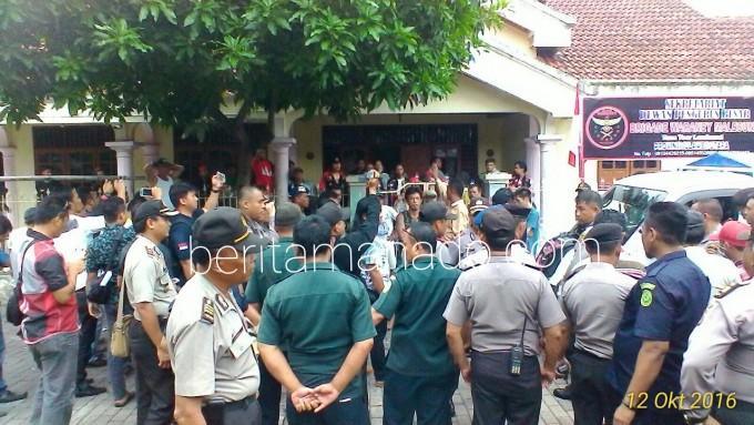 Suasana proses eksekusi di Pateten